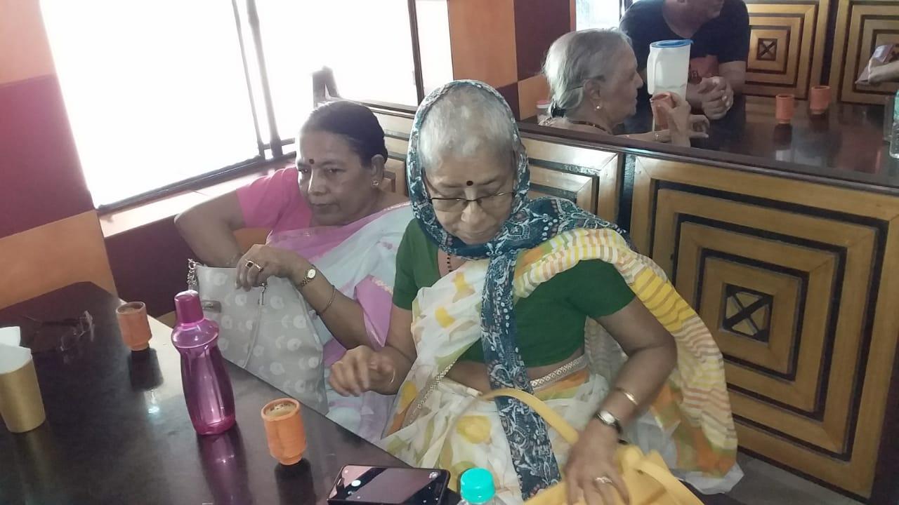 Seniors at hotel