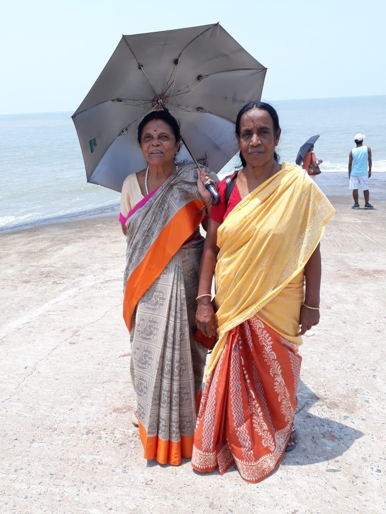 Afternoon walk at Digha sea beach
