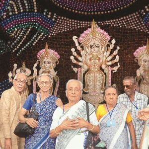 seniors pandal hopping
